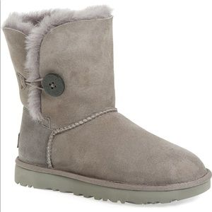 UGG - Bailey Button Boot - Grey Suede - Youth 5